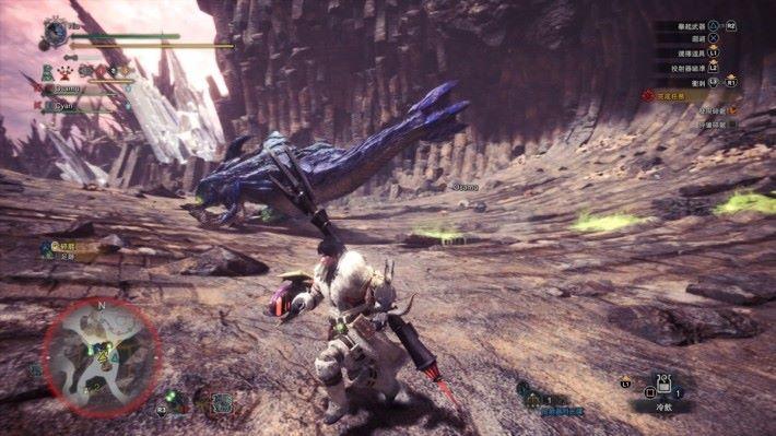 它會黏菌黏付在攻擊位置上,玩家小心踩中地雷。