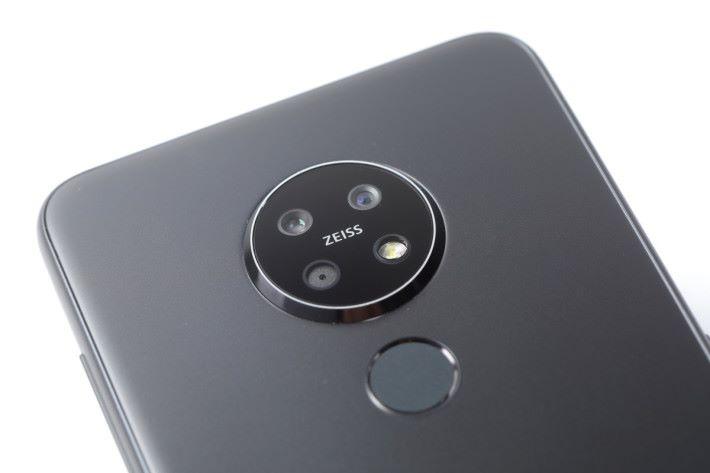 Nokia 7.2的Zeiss認證三主鏡頭由48MP主鏡、8MP超廣角鏡及2MP景深鏡所組成。