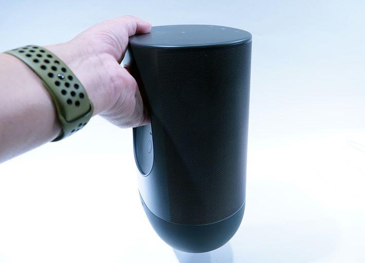.有力學設計的把手,方便一手提起 Move 四圍去。