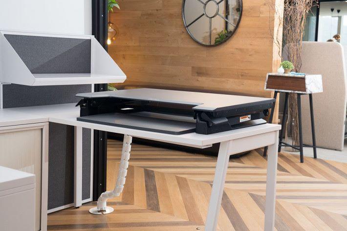 升降檯擁有不同面積切合不同桌面需要。