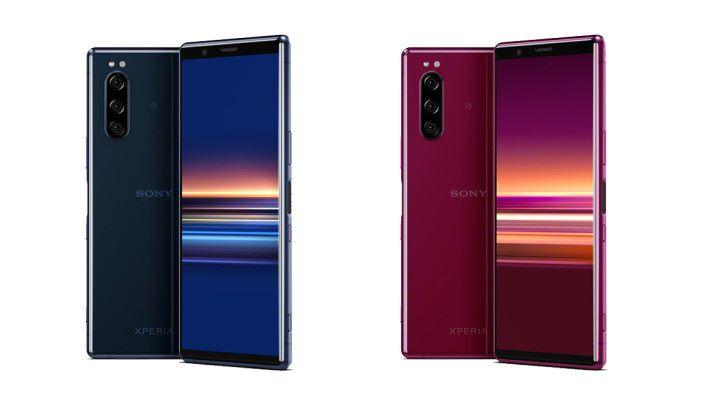 紅及藍兩款,同 XPERIA 1 的紫色相比,一樣吸睛。