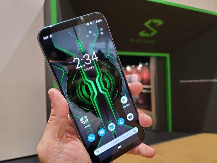 黑鯊 2 Pro 是另一部內置 Snapdragon 855+ 的電競手機。