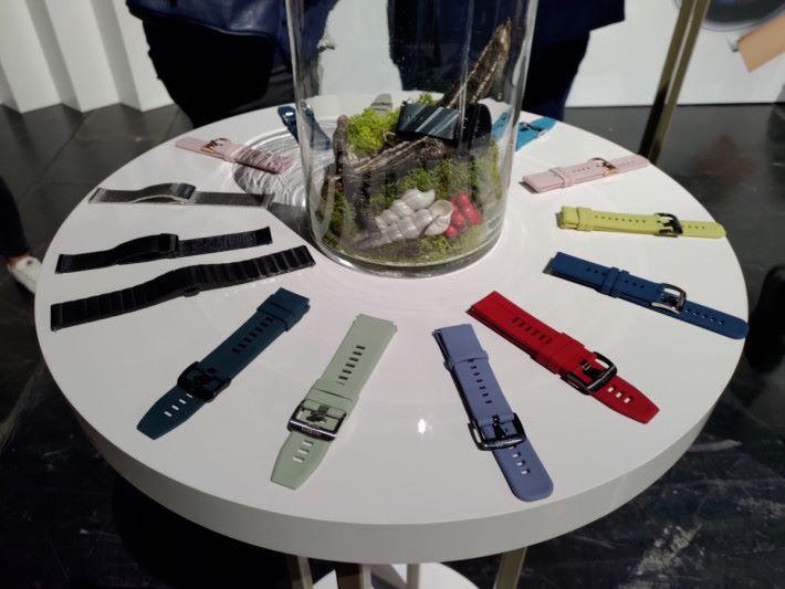 多款不同錶帶提供,方便日常配搭。