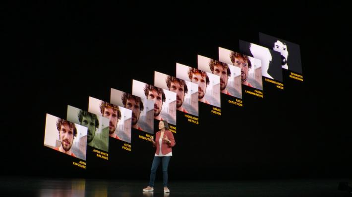 Deep Fusion(深度融合)是利用Apple A13 Bionic處理器中AI引擎和機器學習功能,將多張相片合成一張高解像度和有雜訊低特點的相片。