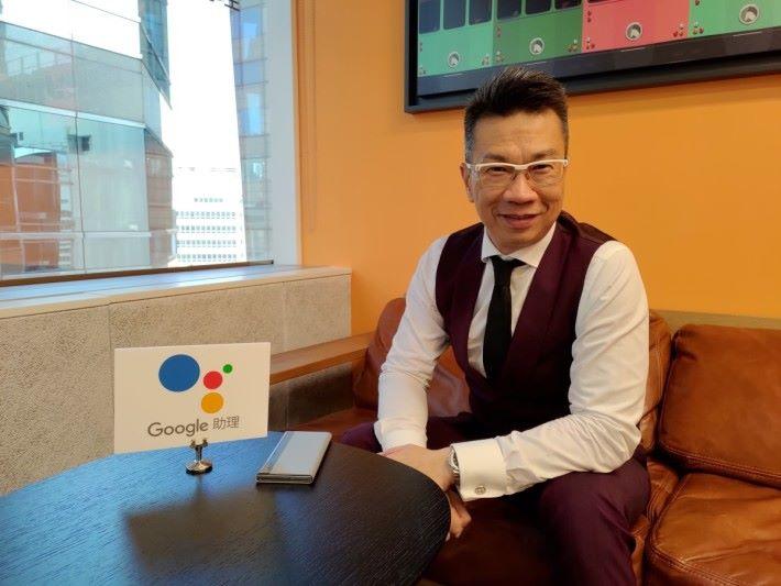 csl 市場營銷總裁 Bruce Lam 稱,現時「 csl 智能助理」會盡量去明白客戶的行為、需要,務求提供更多廣東話指令服務。