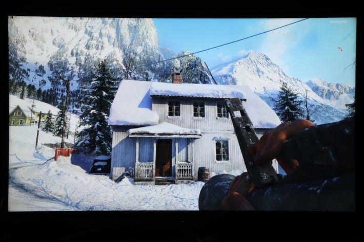 以相同設定下遊玩《 Battlefield V 》,畫面色彩鮮豔。