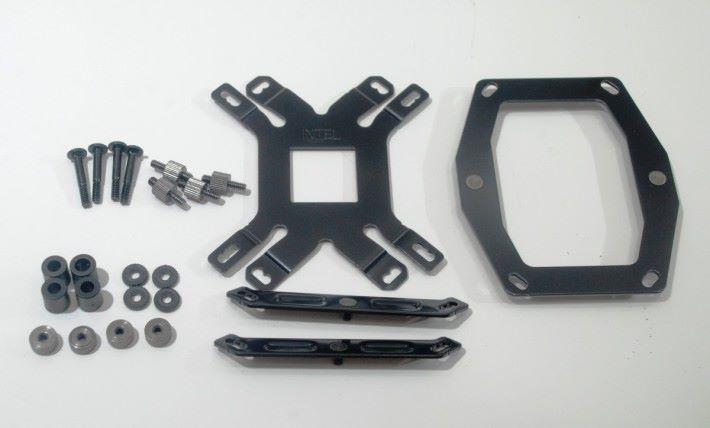 附送不同平台所用的螺絲及扣具