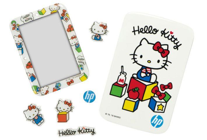 Hello Kitty 迷應該會很喜歡這款 45周年香港限定版 SPROCKET Plus,由原價 $1,288 減至 $888。