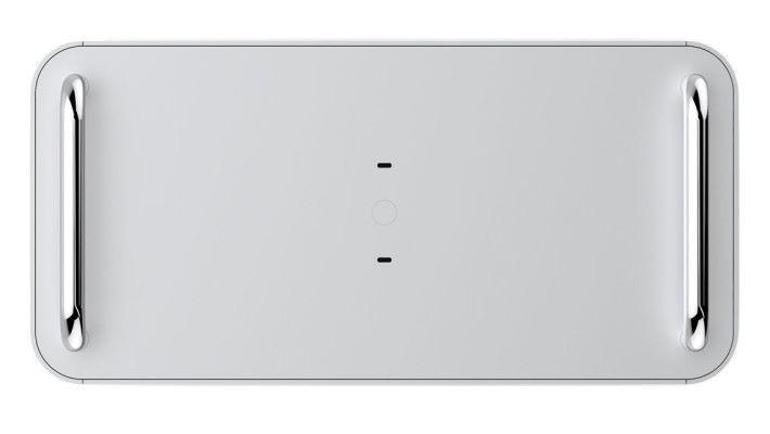 機箱頂預留兩個 USB-C 接口位