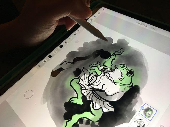 自然做出如在紙上繪畫後的效果。