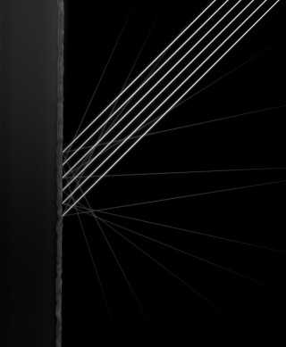 nano-texture 特製啞面玻璃是以納米技術蝕刻到玻璃上,維持畫質之餘也減少眩光。