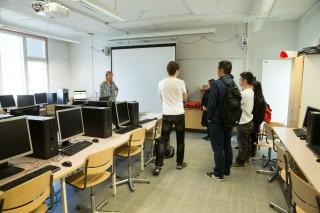 芬蘭課室及教育體制,與香港差異不算太大,但隨著世界發展,一直改善教育方式。