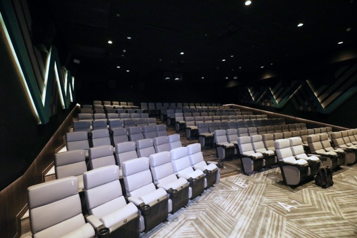. 3號院有 146 個座位,是三間影院中最細的一間,斜位中後區觀看跟平排沒有分別,前排則會看得有點辛苦。