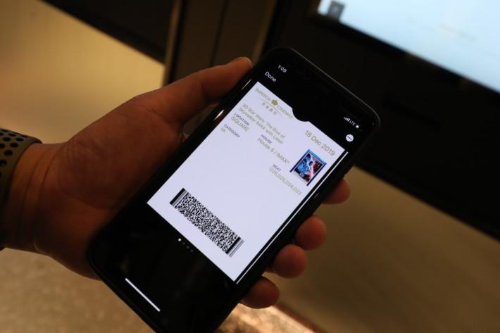 .手機買票只需出示 Bar Code 便可入場,不用到售票處取票,也可以和朋友分開入場,比現場買票更方便。