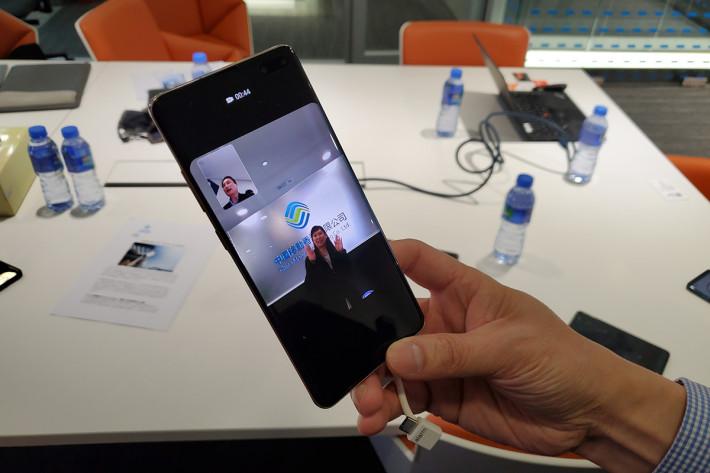以支援 5G 網絡的手機,接通首個通過 5G SA 網絡,以 VoNR 方式撥出的 5G 語音及視頻通話。