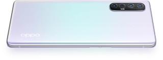 Reno3 Pro 也是採用幻變機背設計。