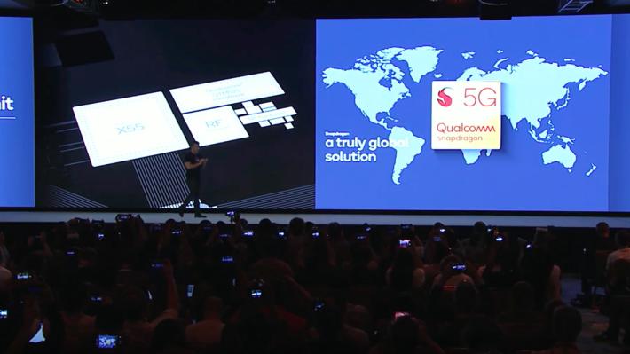 旗艦級處理器Snapdragon 865 將配合 X55 5G 數據晶片(外掛式),支援 Sub-6 及 mmWave 頻段,而且提高 AI 性能,更可支援 2 億像素鏡頭及錄製 30fps 8K 影片。