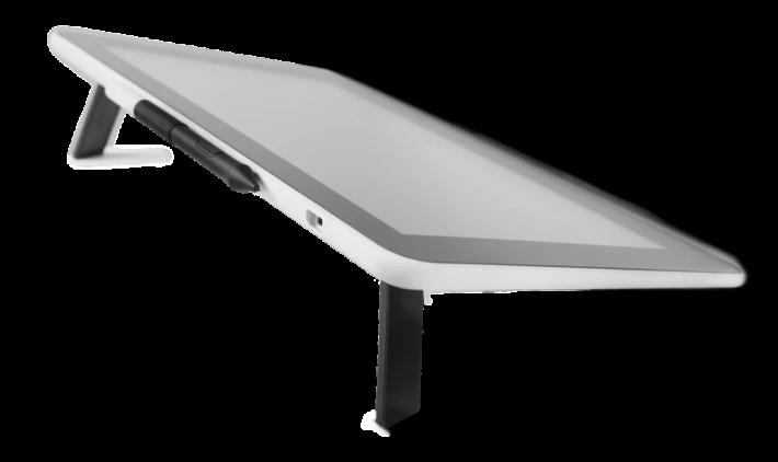 無線免電的感壓筆放在畫板頂部,畫板背有腳架方便升高畫板繪畫。