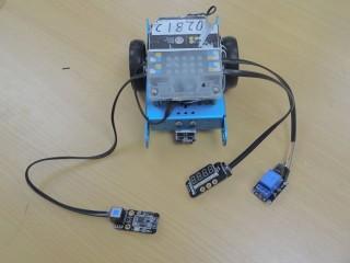 在mBot上接上繼電器,才能使它正常運作。