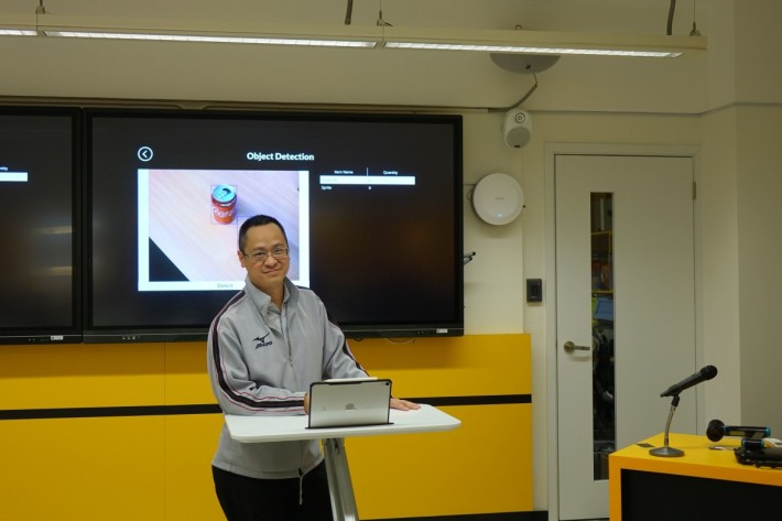 英華書院教師陳汝堅(Eric Sir)分享教授中學生的AI課程。