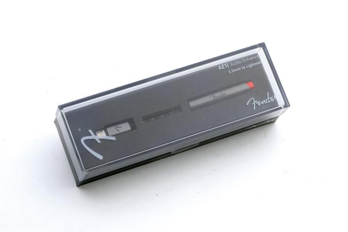 包裝盒頗精美,內裡就簡單的只有一條耳機線。