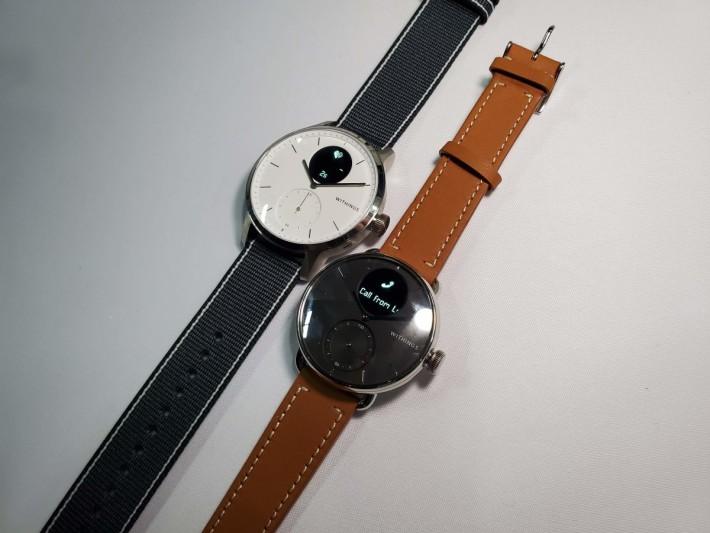 不銹鋼錶身配上藍寶石玻璃,造型大方。