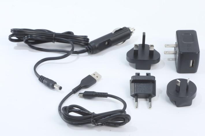 支援汽車充電器及 USB 充電器