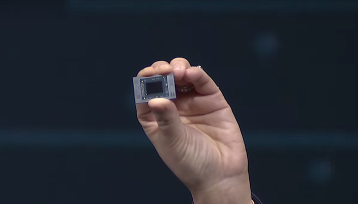 現場蘇大媽展出 Ryzen Mobile 4000 CPU 真身