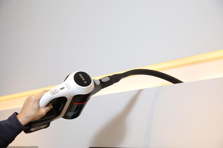 今次特別介紹的特長縫隙吸嘴,可以彎曲使用,更加方便。