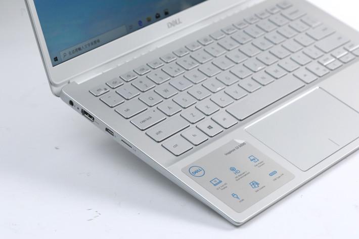 機左側備有 HDMI、USB-C 及 microSD。