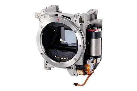提供最高每秒 16 格連拍的新鏡片驅動系統