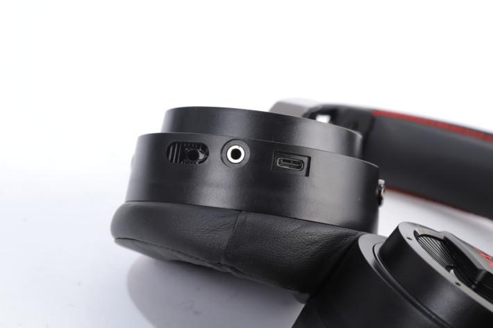 可按所需決定要使用USB Type-C抑或3.5mm連接。