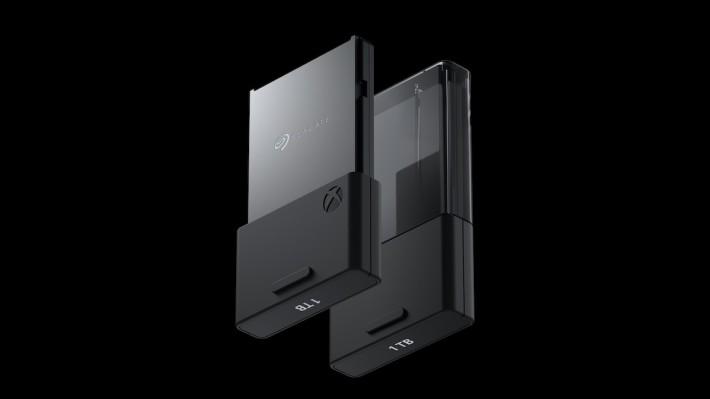 SSD 擴展卡,可以見到是由 Seagate 提供的。