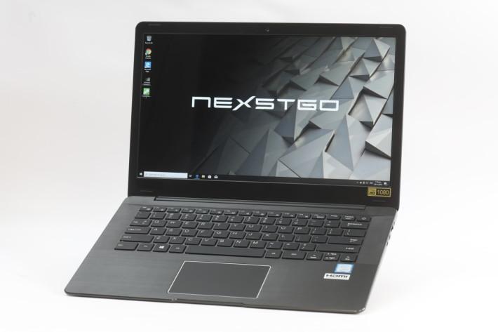 獨立按鍵的鍵盤手感舒適,並附一個大範圍的Trackpad方便操作。