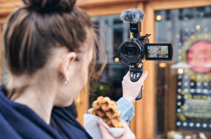 Sony-Camcorder-FDR-AX43