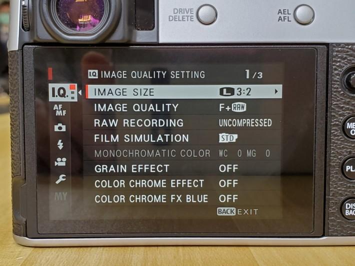 屏幕為觸控式設計,操作更方便。