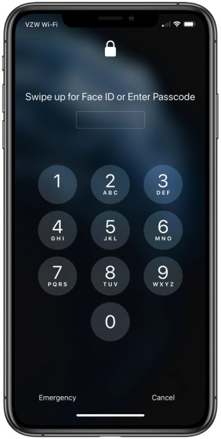 在 13.5 beta 3 ,一旦 iPhone 感測到你戴著口罩,就會立即顯示密碼輸入介面,幫你節省幾秒。