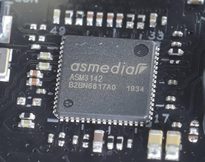 部分 USB 功能由外加的 ASMedia ASM3142 晶片提供