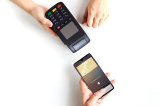 Huawei Pay 結合指紋、晶片及金融級安全性的 NFC 全終端解決方案,並獲國際安全認證。