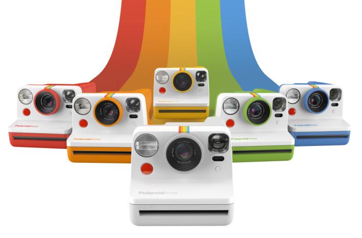 Polaroid Now 總共有七種顏色,其中紅、橙、黃、綠、藍為限量色,是對應Polaroid的彩虹色 logo。