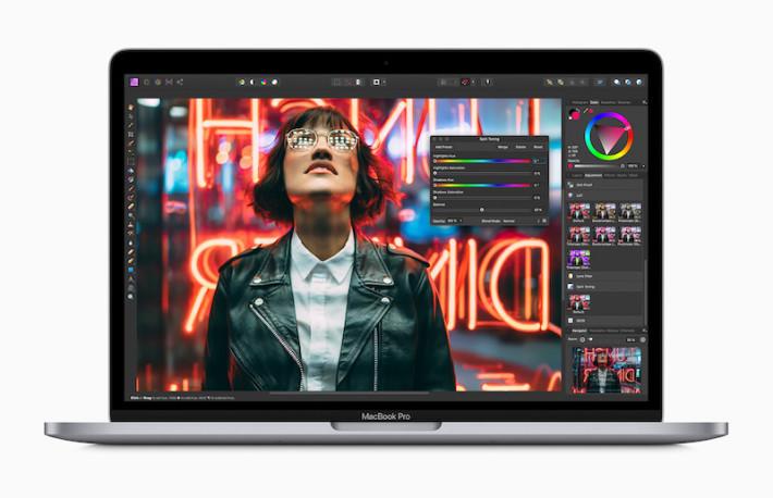 2020 版 MacBook Pro 換上了 10 代 CPU ,圖像處理效能提升高達 80%
