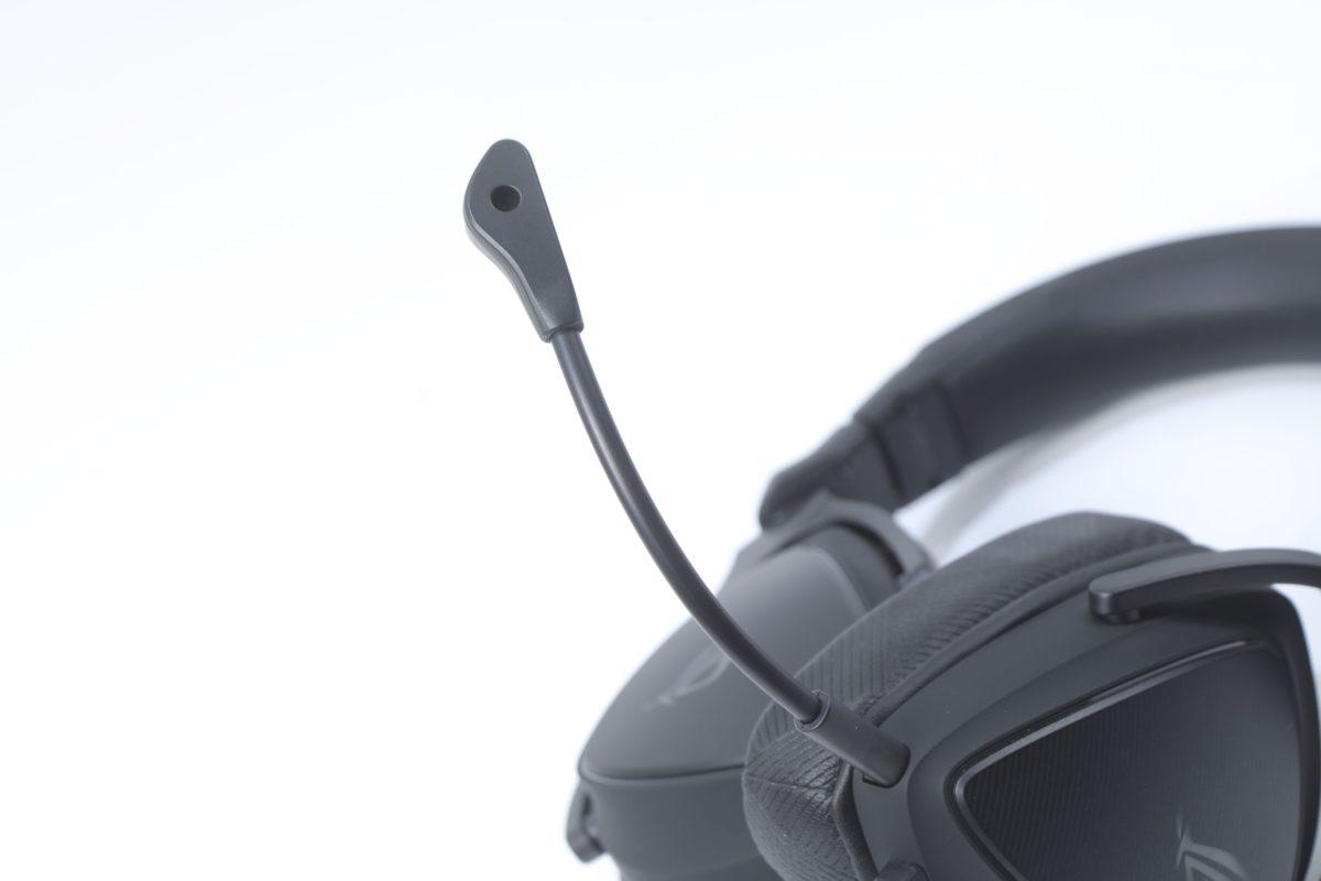 具備ASUS AI降噪咪高峰,提供極致清晰的遊戲語音。