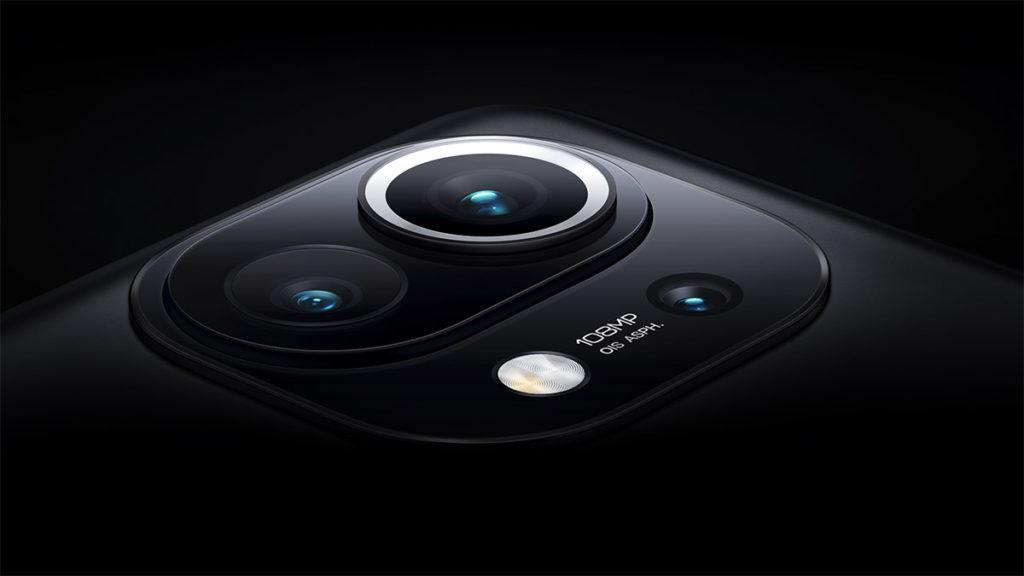 三鏡頭系統為 108MP 主鏡、 13MP 超廣角及 5MP 長焦微距鏡組合而成。